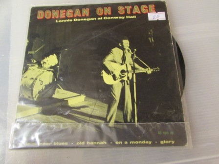 LONNIE DONGAN ON STAGE EP