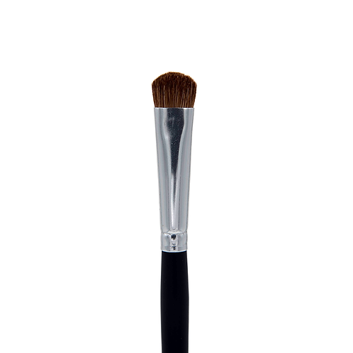C208 CHISEL DELUXE FLUFF EYESHADOW BRUSH