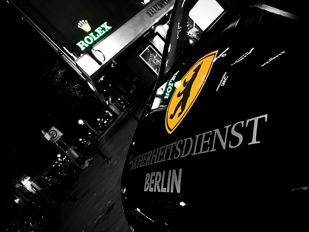 Das Team vom Sicherheitsdienst Berlin, schützt Ihre Wertsachen vor ungebetenen und unerwünschten Besuchern. Erleben Sie mit dem Sicherheitsdienst Berlin Schutz und Sicherheit, Qualität fühlen Sicherheit genießen.