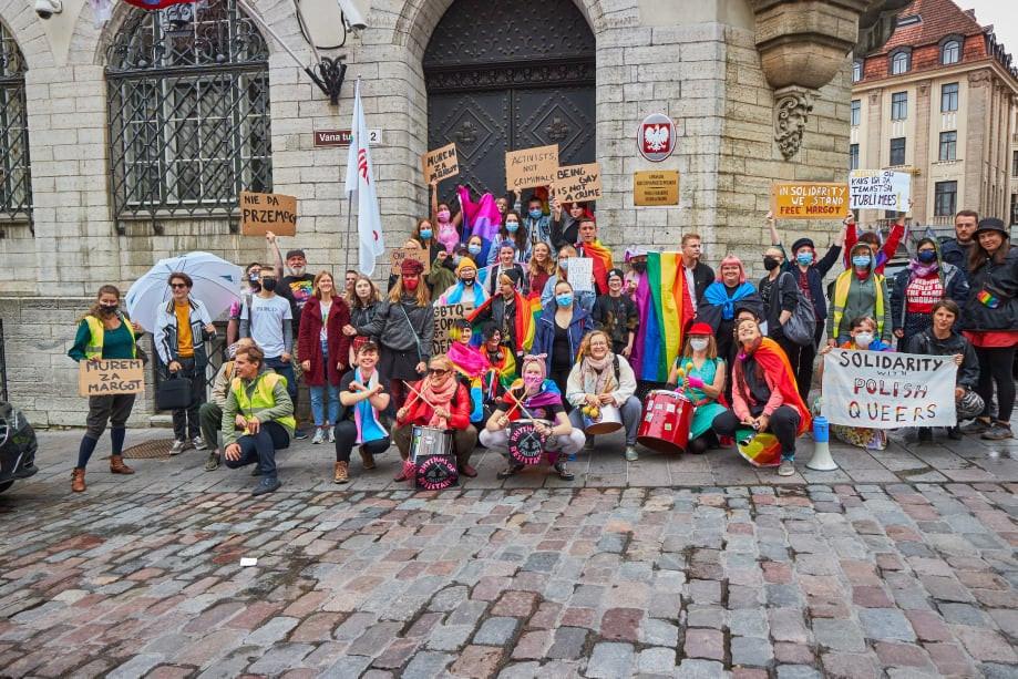 Toetusmeeleavaldus Poola LGBT+ kogukonnale 13.08.2020 Tallinnas Poola saatkonna ees