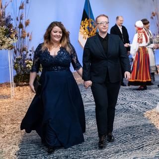 Ühingutegevjuht Kristel ja huvikaitseekspert Aili presidendi vabariigi aastapäeva vastuvõtul 2020.