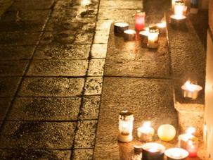 Sotši mängude algusajal süüdatakse vene saatkonna ees protestiküünlad