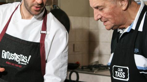 El chef Paco Almeida, junto a nuestros usuarios y una receta genial.