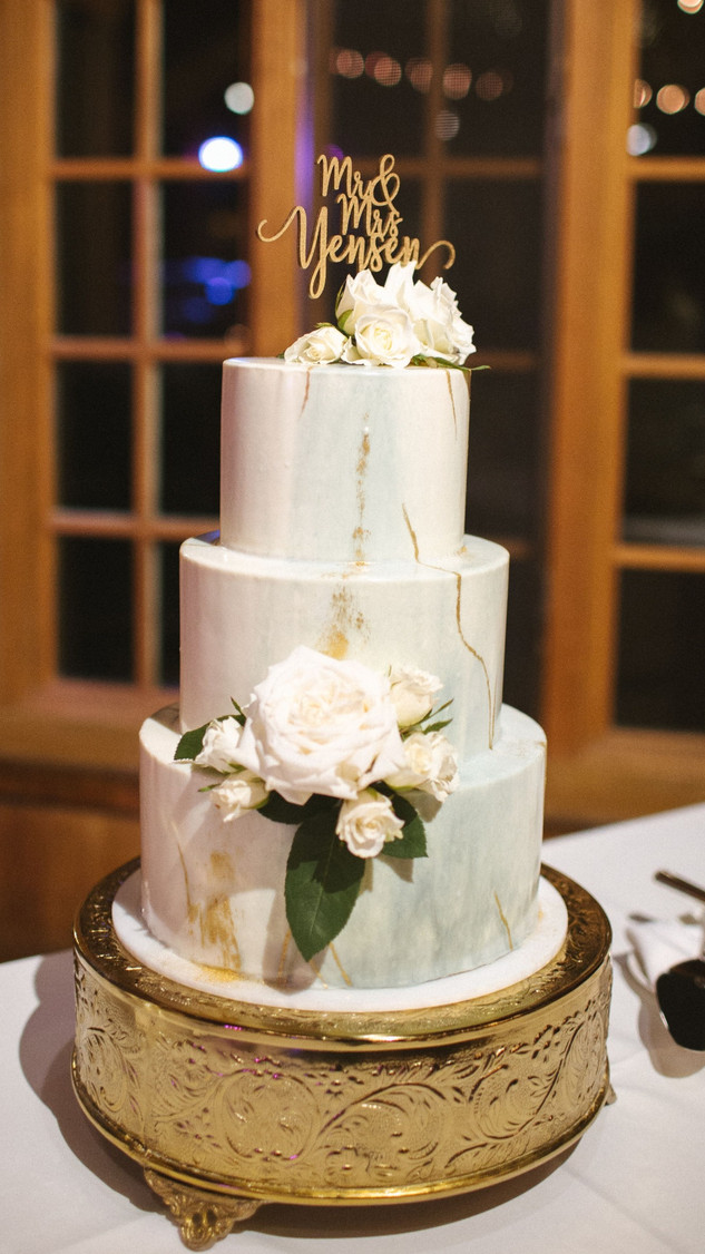 Wedding cake - mirror glaze with fresh flowers
