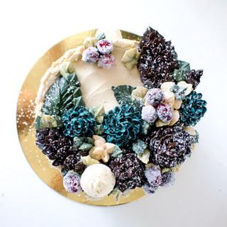 Winter buttercream succulent cake