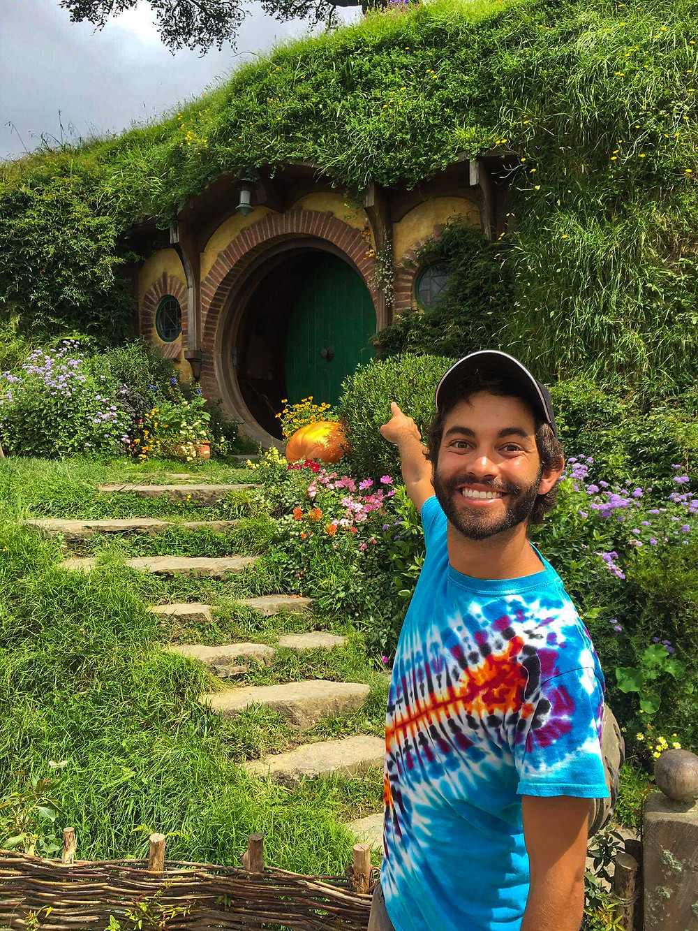 Hobbiton hobbit hole new zealand