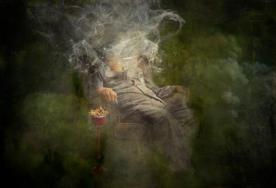 ashtray man 2 a plat.jpg