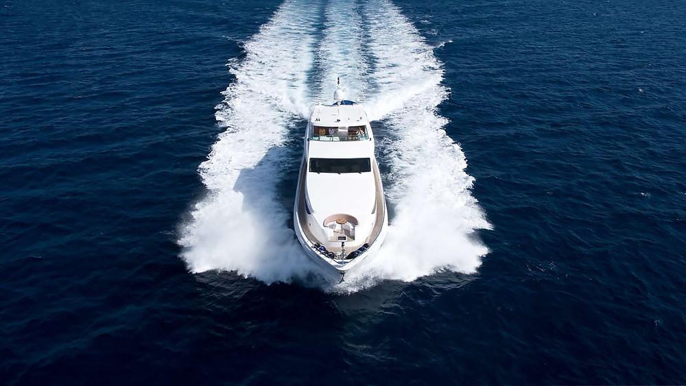 yacht party in Dubai