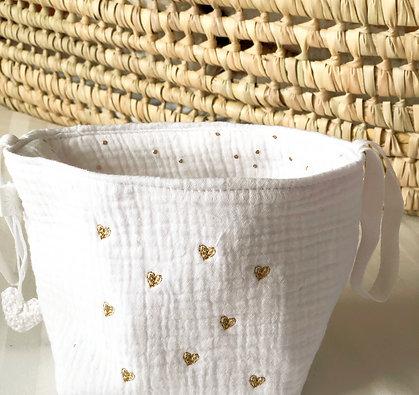 Pochon et 7 lingettes lavables blanches petits coeurs dorés