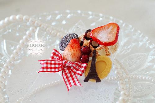 Whip strawberry waffle ribbon