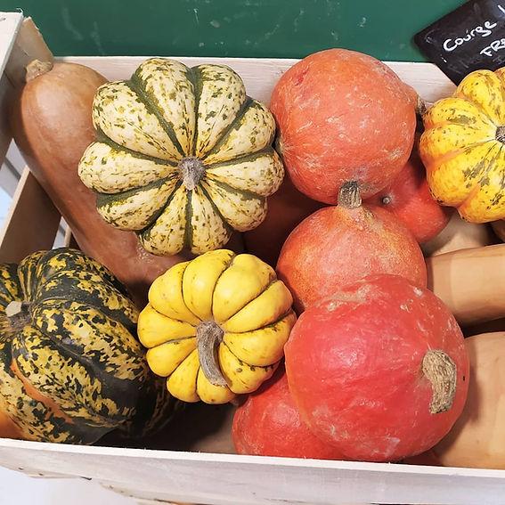 Le Local, une épicerie avec des produits (fruits, légumes, entretien, hygiène) locaux, bio (agriculture biologique) zéro déchet.