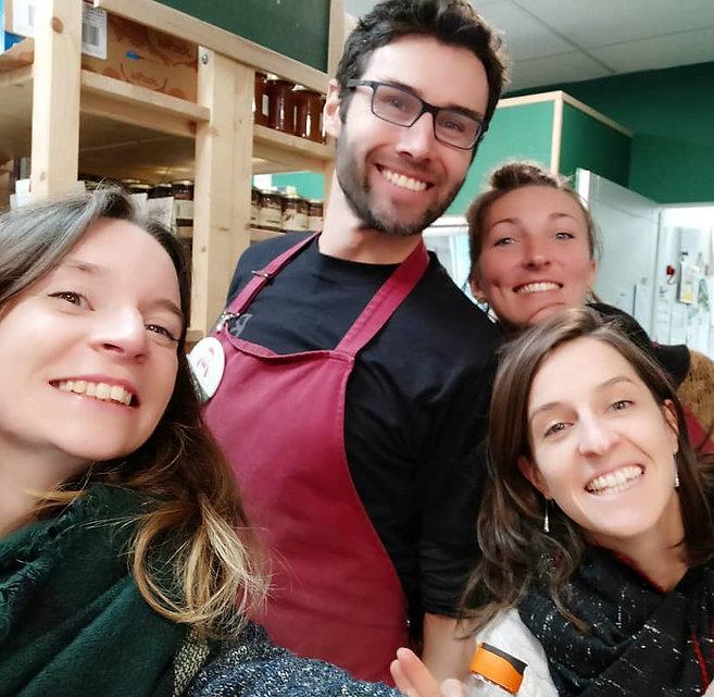 Le Local, une épicerie et 2 magasins à Annecy avec des produits locaux et bio zéro déchet (alimentation, fruits, légumes, entretien, hygiène).