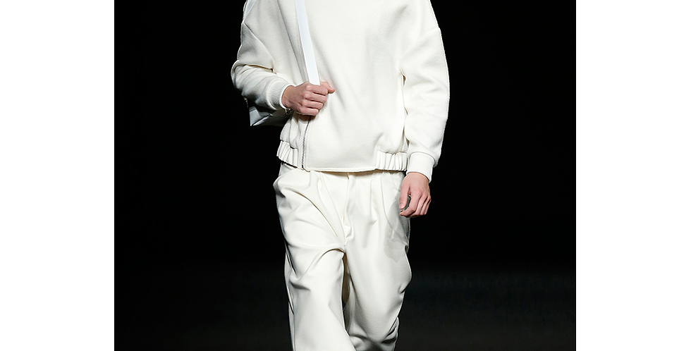 Darklight's Off-White Outfit
