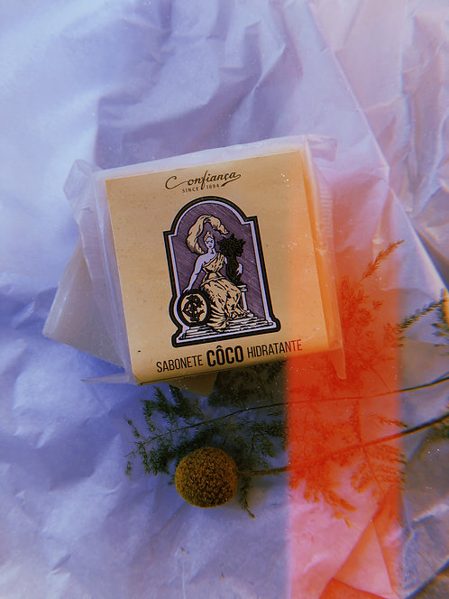 MOISTURIZING COCONUT SOAP by CONFIANÇA