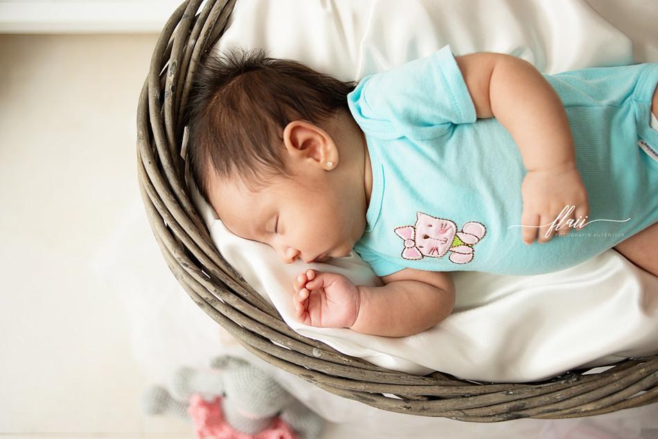 Larissa babygrow 1