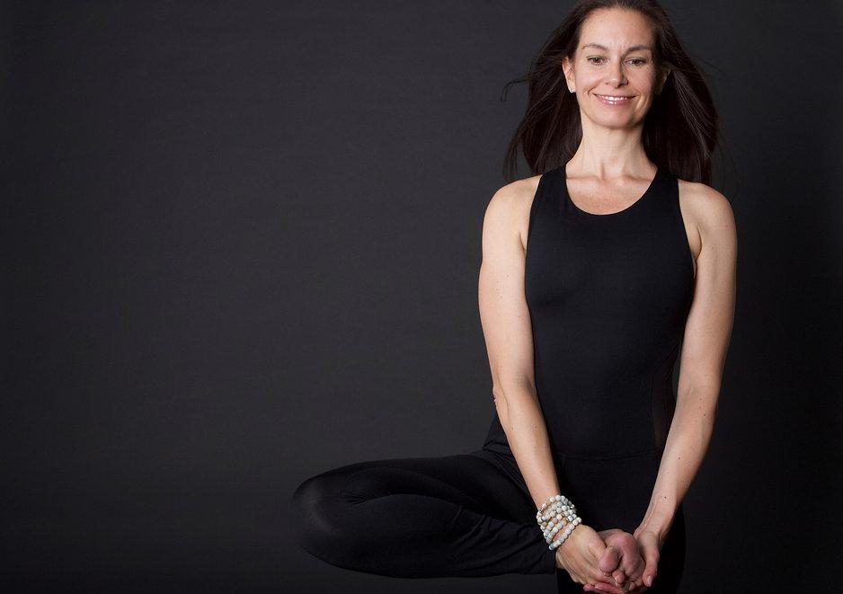 online-yoga-juni-nadine-darmstadt_edited