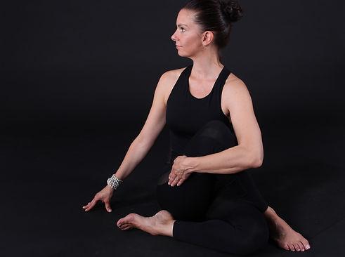 online-yoga-darmstadt-nadine.JPG