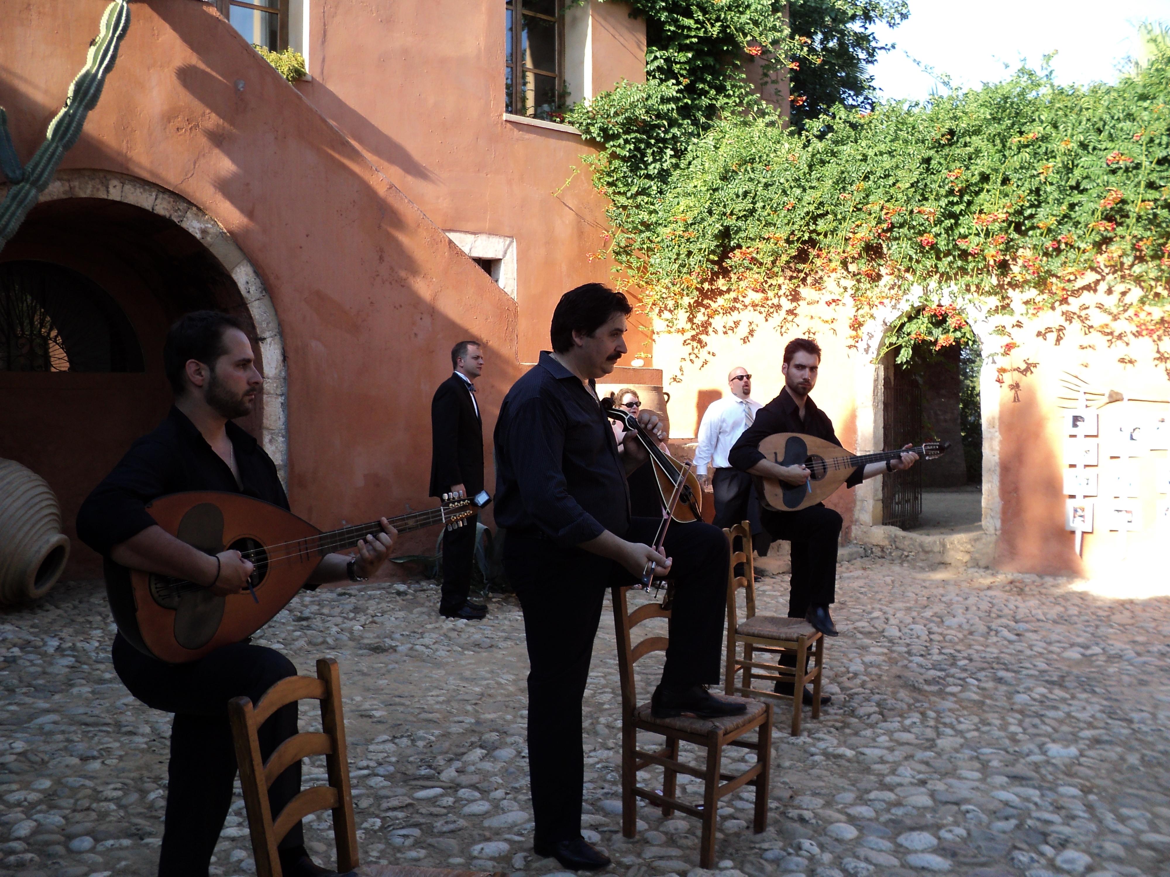 cretan folk band