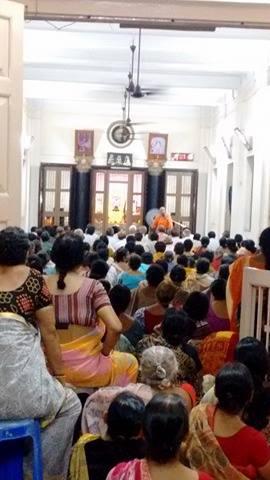RegularEvening Discourse reading at Ashrama
