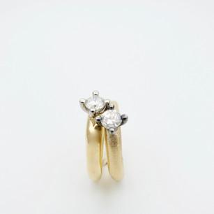 Spesialbestilling med kundens egne diamanter.