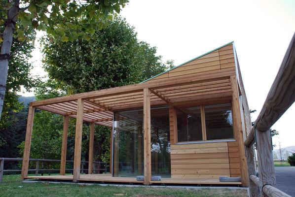 bicigrill in legno, rivestimento facciata listelli in larice