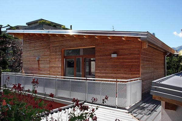 casa in legno moderna prefabbricata rivestimento facciata listelli larice