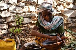 Making Siri - Awach Abdul Khader Jelani, Hararghe, Ethiopia