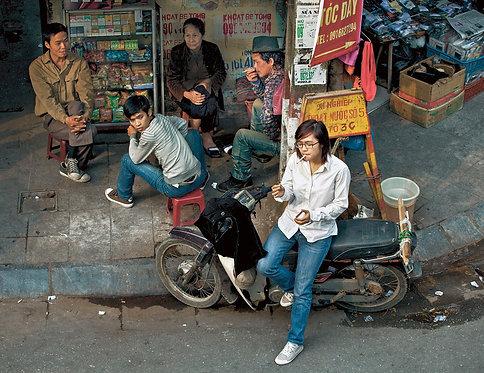 Kim Hanh Smoking