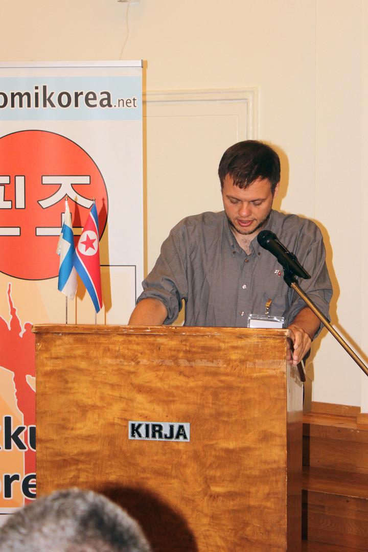 Henning Jakobsen Tanskan kommunistisesta puolueesta