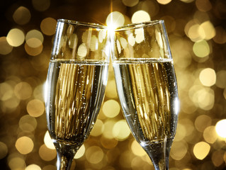 Fim de ano, fim de festas. Hora de prestar contas. E brindar o novo ano!