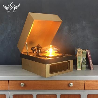 Repurposed Record Player Lamp