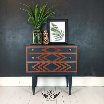 Mid Century Chest of Drawers with Tapered Legs