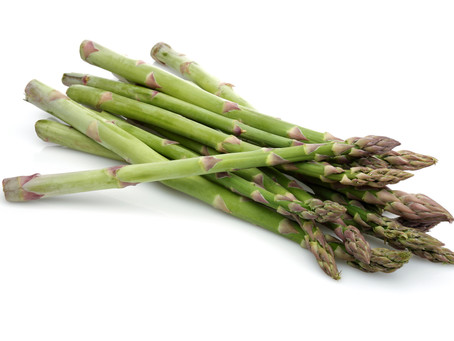 Quinoa-Risotto mit grünen Spargeln und Champignons