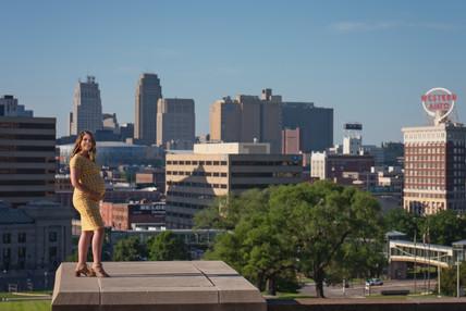 Down Town Kansas City Maternity Photography