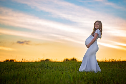 Dramatic Sunset maternity picture