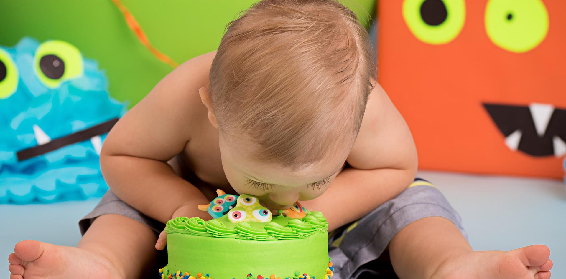 Cake Smash Face Plant