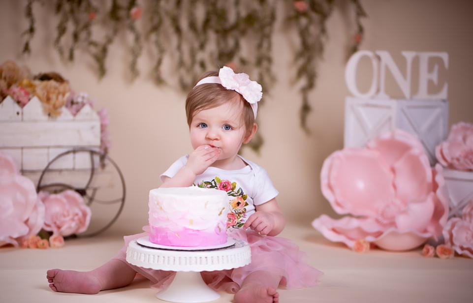 Pretty in Pink Cake Smash