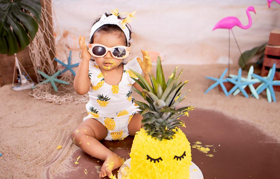 Pineapple Cake Smash Photography