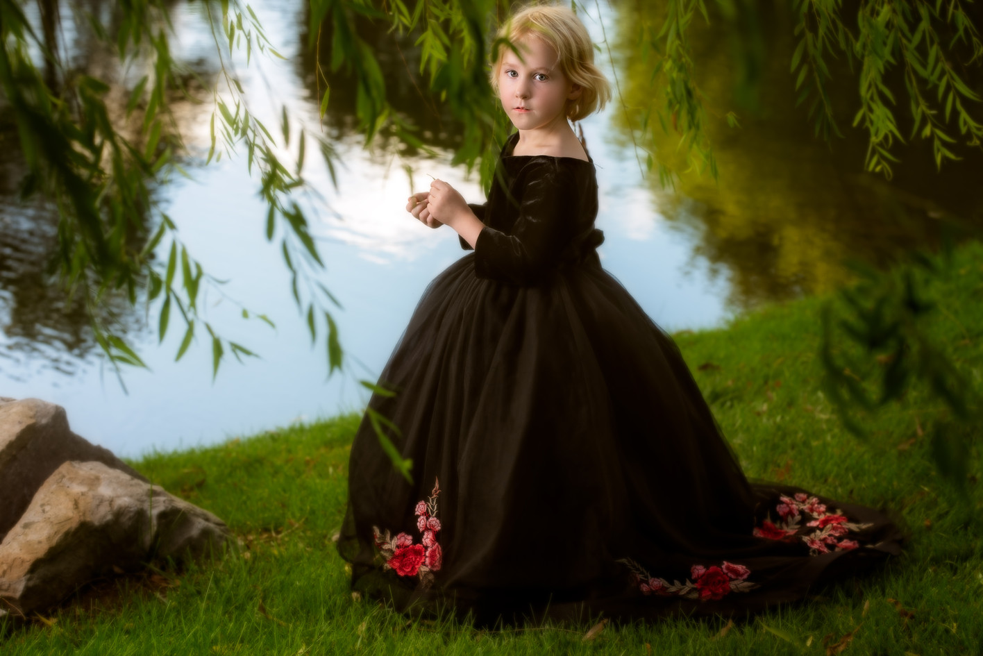 Beautiful child picture by the lake