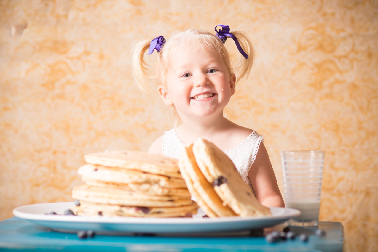 Lenexa photographer kids food session
