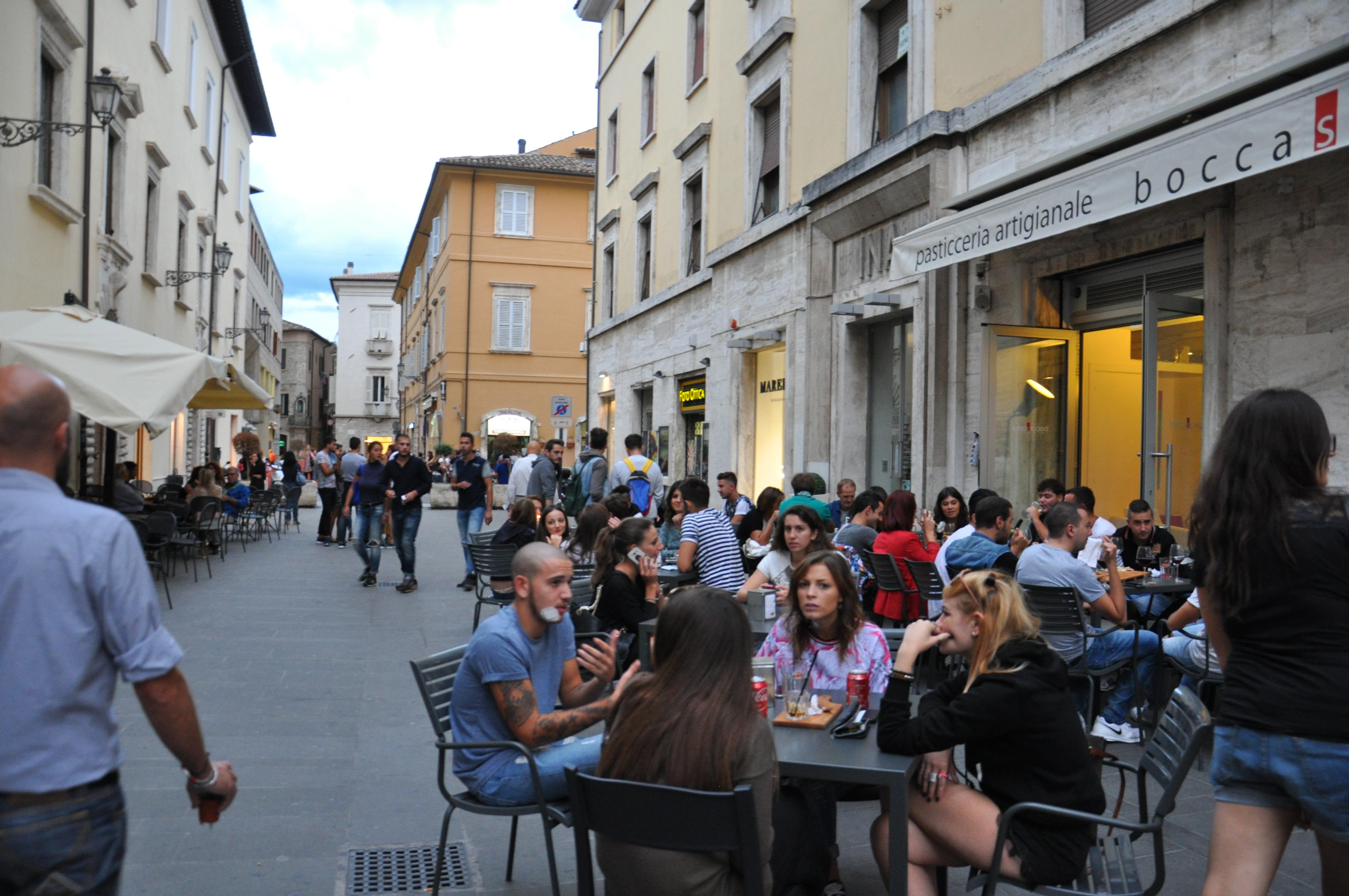 רחובות שהופכים בזמן פסטיבלים למדרחוב