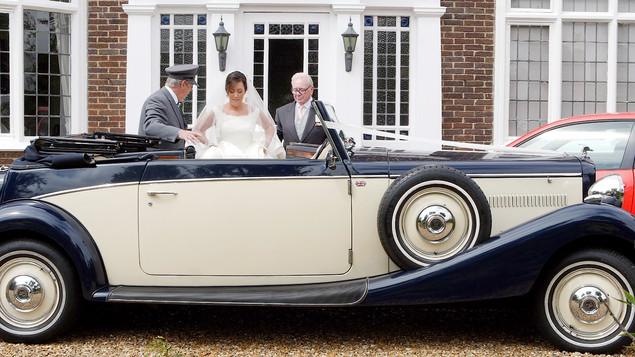 Lizzie and Mark Wedding Car 1.jpg