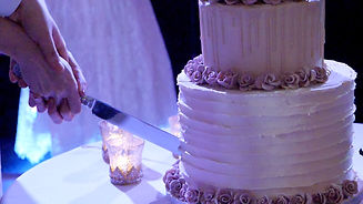 Cuttin te wedding cake, cheshire weddig video