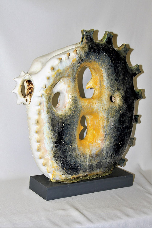 Malgorzata Jablonska, Protecting, 52x42x15cm, clay sculpture