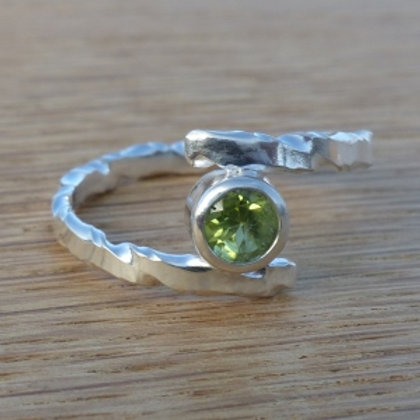 Sterling Silver Twist Pattern bypass ring with Peridot - made to order