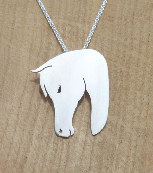 P0566 Sterling Silver Horse Head Pendant