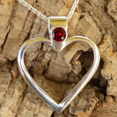 P0596 Sterling Silver Heart with Garnet