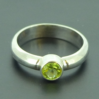 Sterling Silver Tube set Peridot Ring - made to order