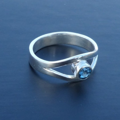 Sterling Silver split shank ring with Topaz set at the centre - made to order