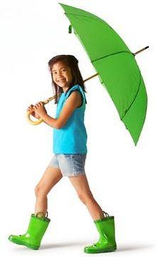 girl in summer camp walking with umbellr